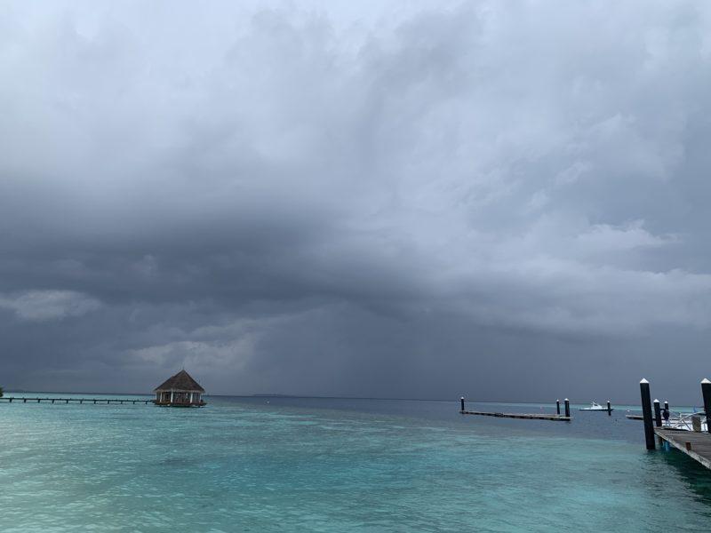 どんより雨雲