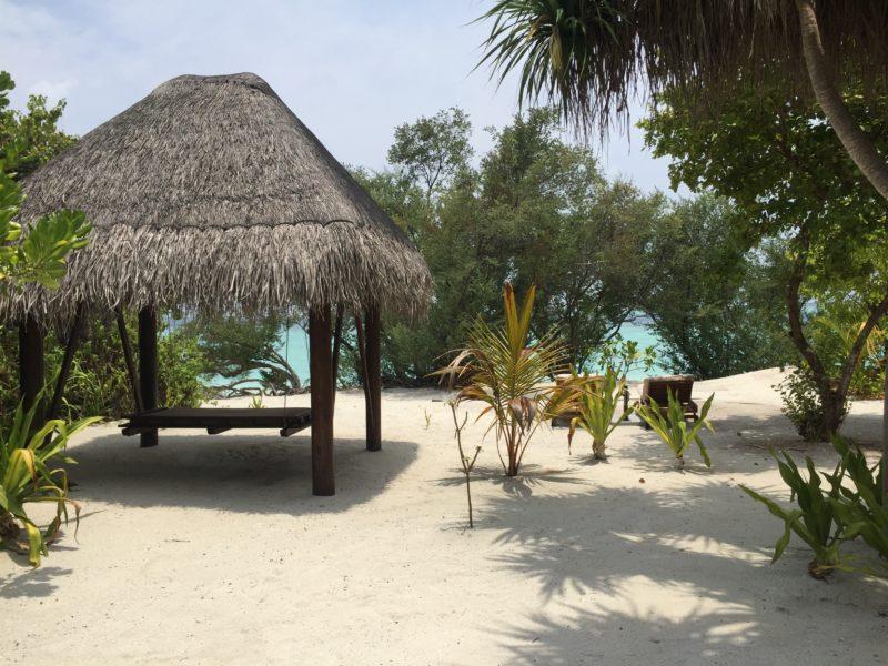 ハイダウェイビーチリゾート、ビーチヴィラのガーデン