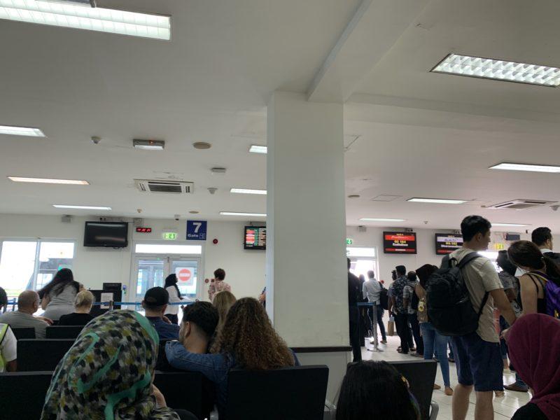 マーレ国内空港、搭乗ターミナル