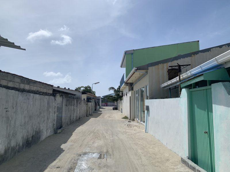 ローカル島の道