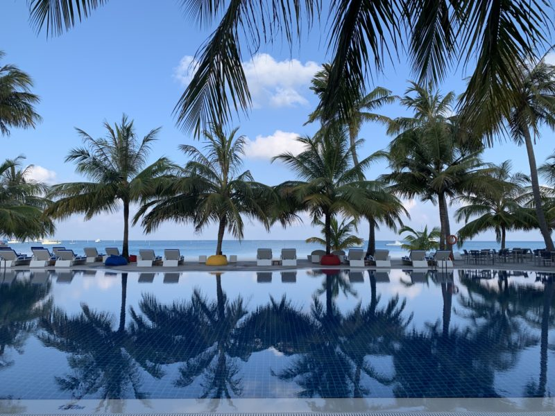 Meeru island resort- swimming pool